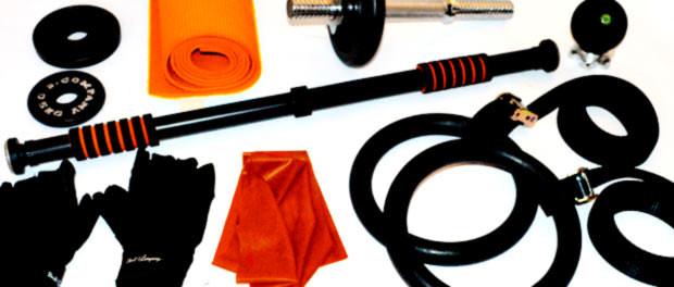 Verschiedenes Zubehör für Klimmzugstangen und Türrecks (Fitnessbänder, Handschuhe, Turnringe etc.)
