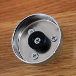 Metallhalterung mit 4 Schrauben und Pflastikpfropfen Denqbar Türreck